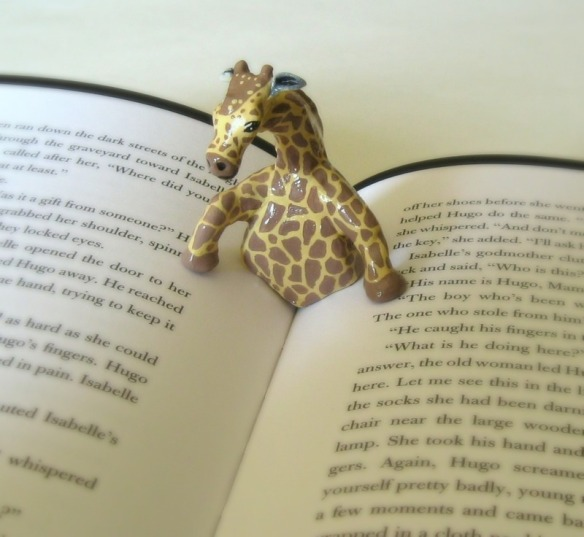 full_Giraffe_Book_Page_Holder_1319580276